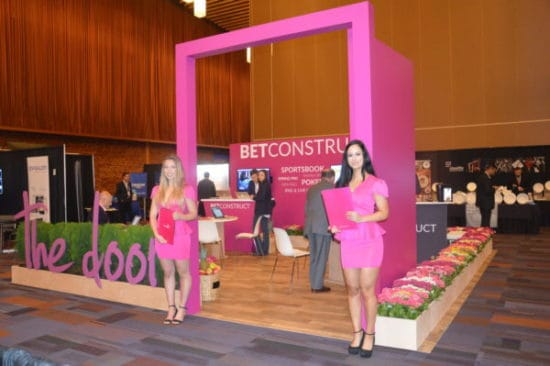 Trade Show Booth Edmonton : Exhibits and trade show displays for events comotion